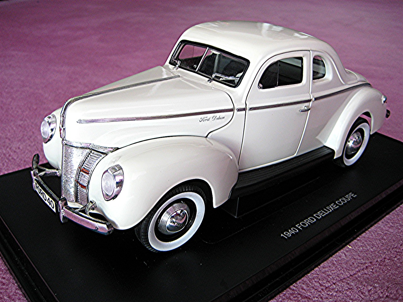 Ford Deluxe Coupe weiss 1940