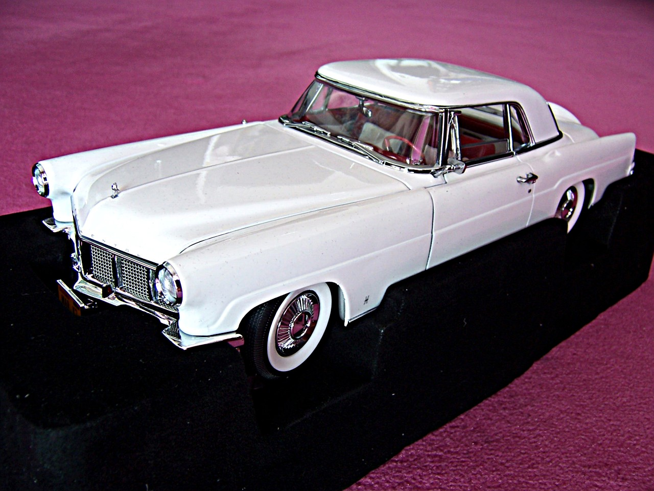 Lincoln Continental Mark II weiss 1956