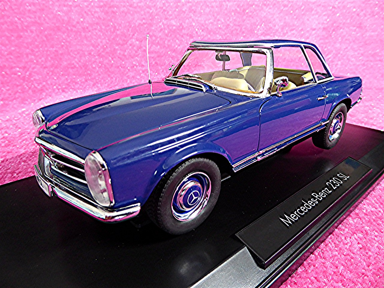 1:18 Mercedes 230 SL Coupe blau 1963