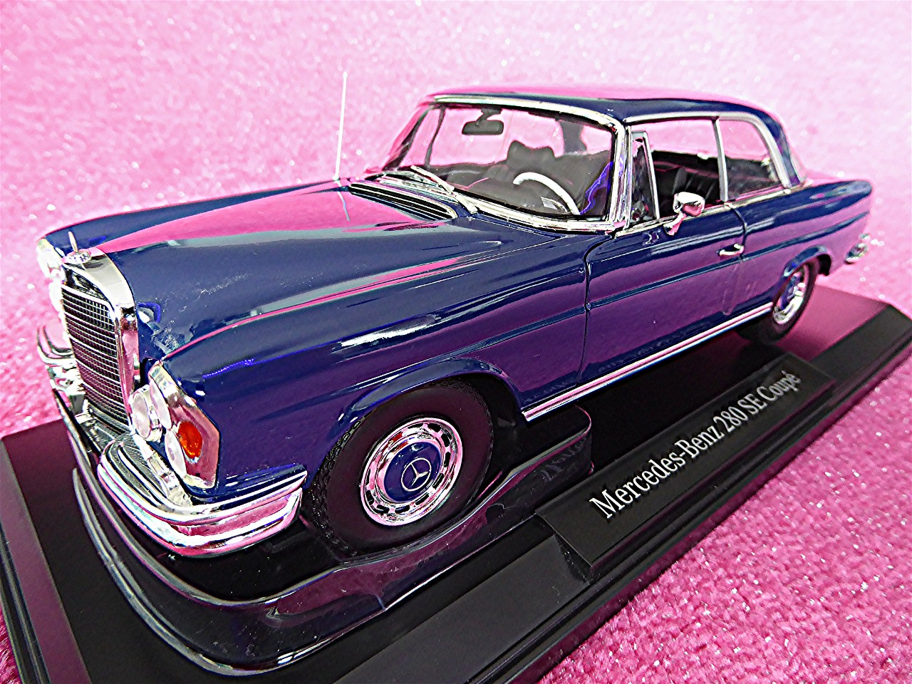 1:18 Mercedes 280 SE Coupe blau 1969
