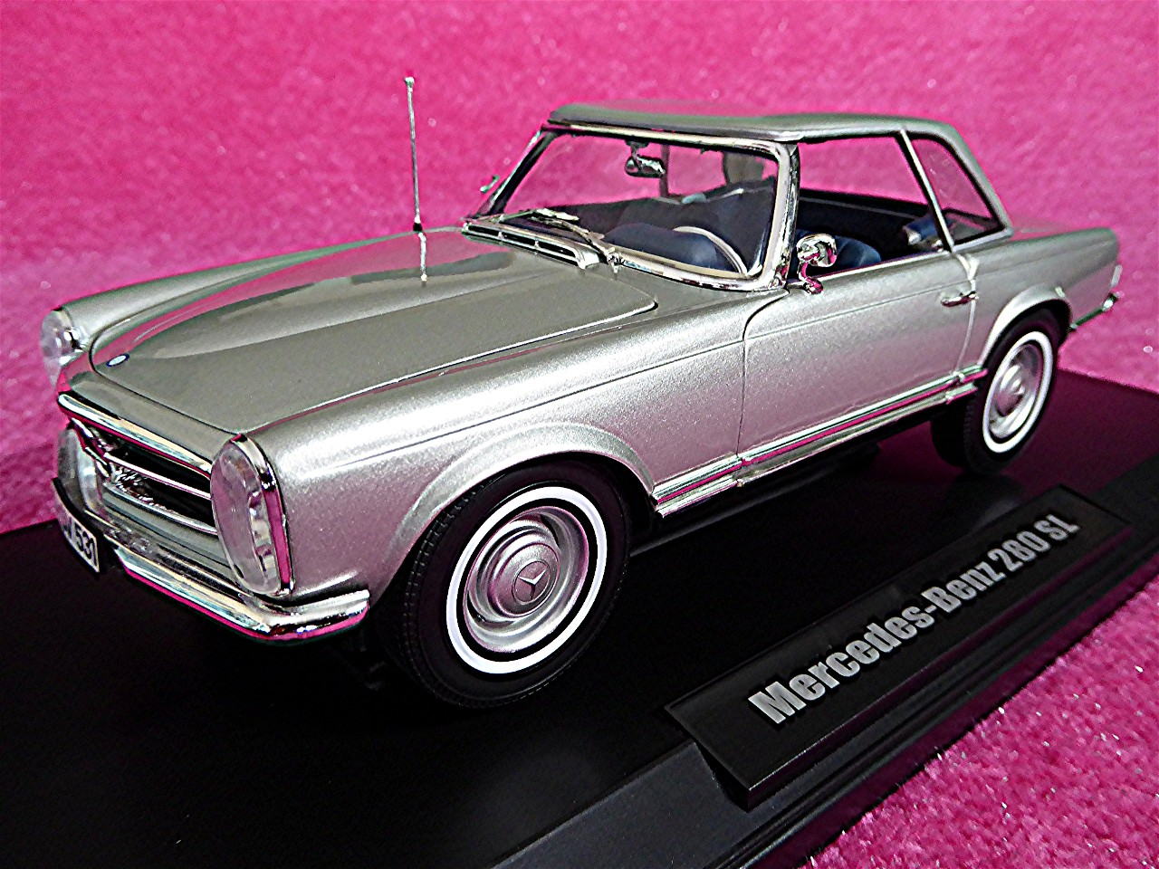 1:18 Mercedes 280 SL Coupe silber-metallic 1969