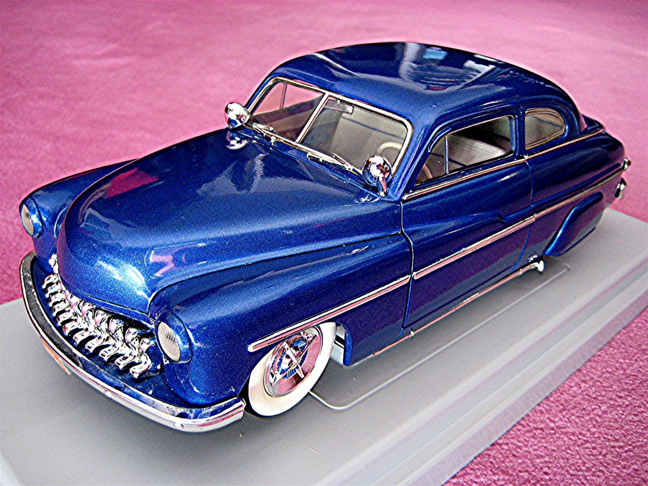 1:18 Mercury Custom blau-metallic 1949