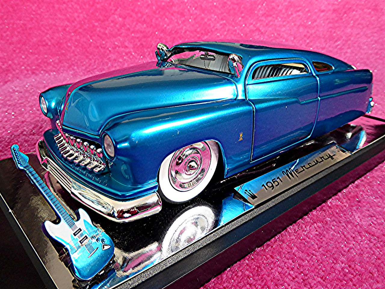 1:18 Mercury Kustom King blau-metallic 1951