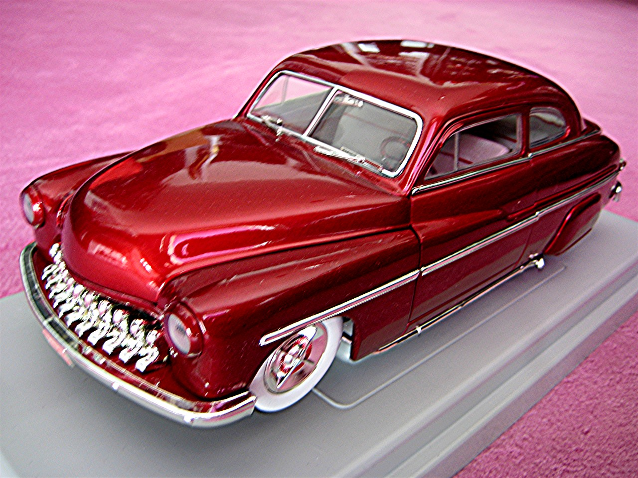 1:18 Mercury Lead Sled rot-metallic 1949