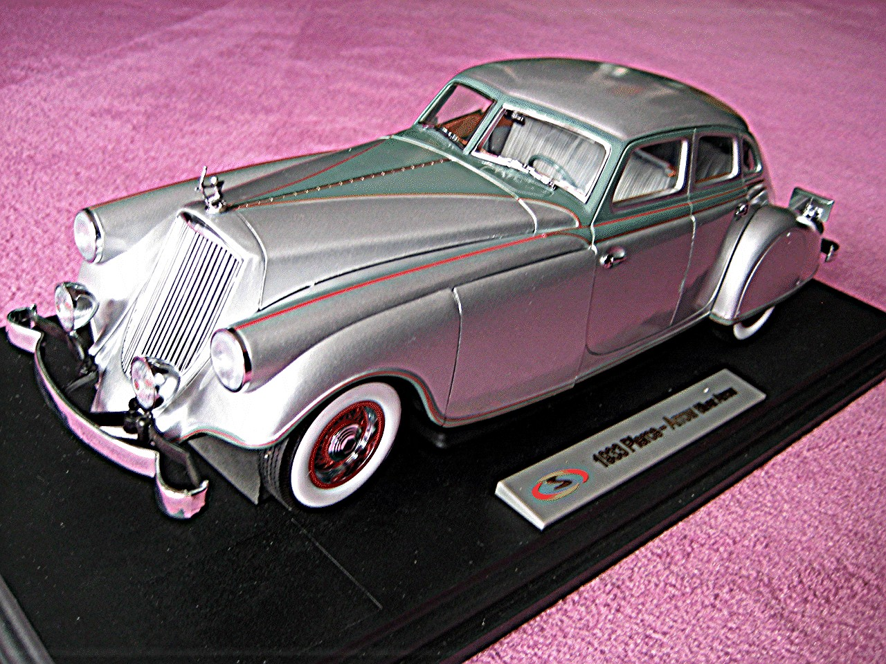 1:18 Pierce Arrow silber 1933